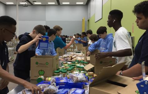 Freshman Class Volunteers at the Houston Food Bank